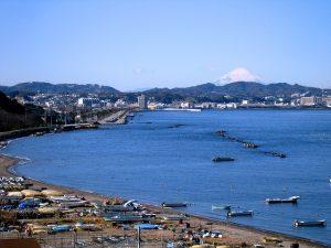 走水海岸と富士山